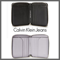 海外別注★Calvin Klein★Walkman Zipper Wallet★2色★安全発送