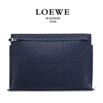 ∞∞ LOEWE ∞∞ Repeat T embossed leather ポーチ☆