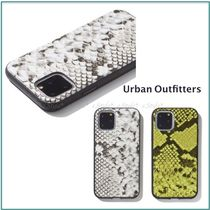 Urban Outfitters☆iPhone11,Pro,Pro Max☆パイソン柄ケース