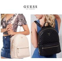 送料関税込/GUESS  CARLITA CONVERTIBLE CHARM BACKPACK