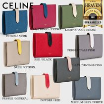 累積売上総額第1位!【CELINE】MEDIUM STRAP WALLET_10B643BRU