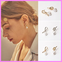 【Hei】knot pearl post earring〜左右の結び目が違うピアス