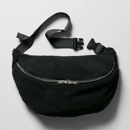 """WEEKDAY"" Park Pile Shoulder Bag Black"