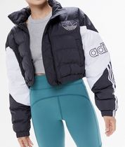 BLACKPINK JENNIE着用 adidas Exclusive Cropped Puffer Jacket