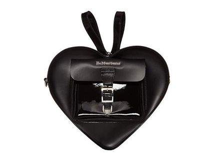 ★DR. MARTENS Heart Shaped Leather Backpack バッグ関税込★