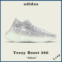 "【adidas×Kanye West】激レア Yeezy Boost 380 ""Alien"""