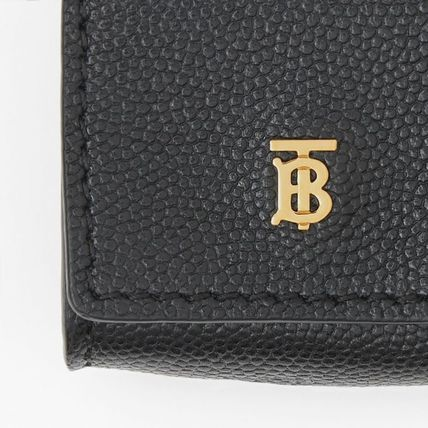 Burberry スマホケース・テックアクセサリー 【BURBERRY】Grainy Leather AirPod Case(5)