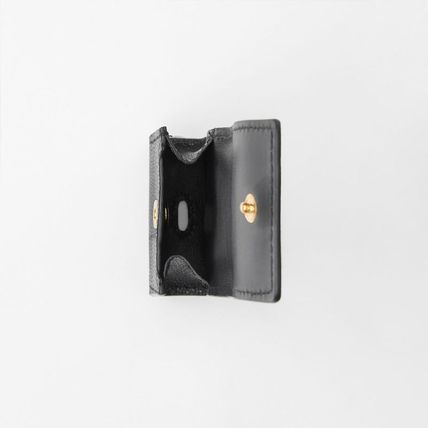 Burberry スマホケース・テックアクセサリー 【BURBERRY】Grainy Leather AirPod Case(4)