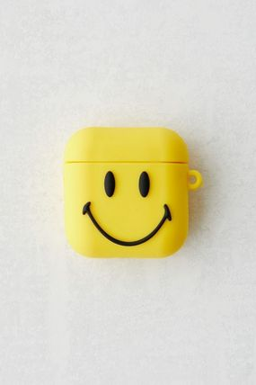 Urban Outfitters スマホケース・テックアクセサリー 【☆日本未入荷☆】Chinatown Market X Smiley UO AirPods Case