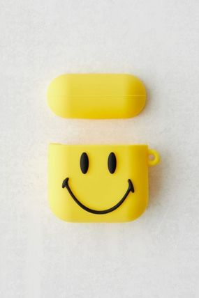 Urban Outfitters スマホケース・テックアクセサリー 【☆日本未入荷☆】Chinatown Market X Smiley UO AirPods Case(4)