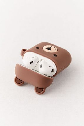 Urban Outfitters スマホケース・テックアクセサリー 【☆日本未入荷】Shaped Silicone AirPods Case シリコンケース(2)