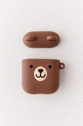 Urban Outfitters スマホケース・テックアクセサリー 【☆日本未入荷】Shaped Silicone AirPods Case シリコンケース(3)
