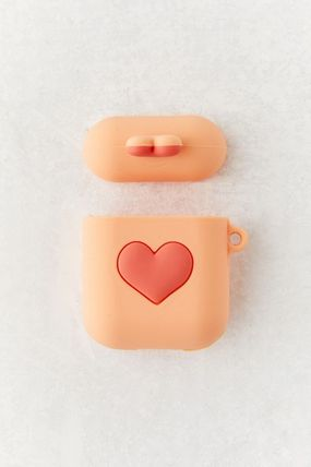 Urban Outfitters スマホケース・テックアクセサリー 【☆日本未入荷】Shaped Silicone AirPods Case シリコンケース(6)