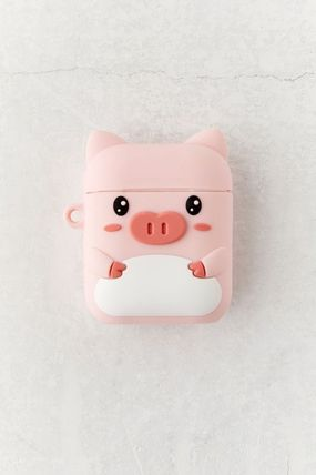 Urban Outfitters スマホケース・テックアクセサリー 【☆日本未入荷】Shaped Silicone AirPods Case シリコンケース(7)