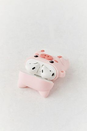 Urban Outfitters スマホケース・テックアクセサリー 【☆日本未入荷】Shaped Silicone AirPods Case シリコンケース(8)