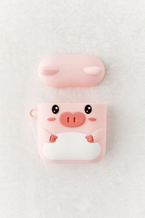 Urban Outfitters スマホケース・テックアクセサリー 【☆日本未入荷】Shaped Silicone AirPods Case シリコンケース(9)