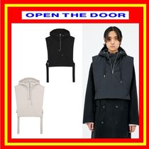 [OPEN THE DOOR]    crop hood padding vest  - [全2色]