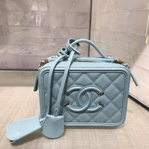 2020 CRUISE CHANEL ★CC FILIGREE 17cm VANITY CASE in blue