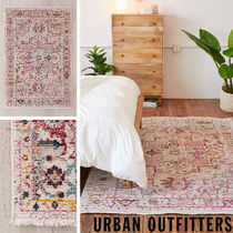大人気♪ Urban Outfitters  Tufted ラグ  61×122cm