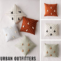 Urban Outfitters Nora Stitched Tassel Throw Pillowクッション