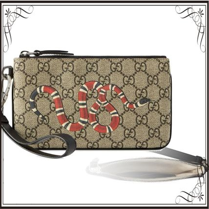 GUCCI スマホケース・テックアクセサリー 関税込み◆GG Supreme snake print iPhone pouch