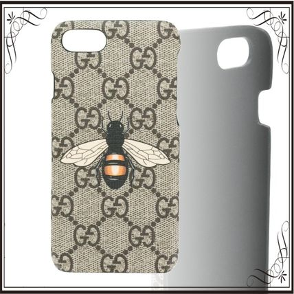 GUCCI スマホケース・テックアクセサリー 関税込み◆GG Supreme Bee phone case