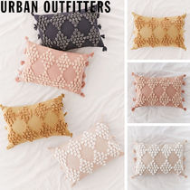 Urban Outfitters    Tufted Geo Bolster Pillow クッション