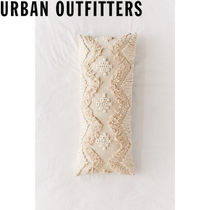 Urban Outfitters   Lucy Body Pillow クッション