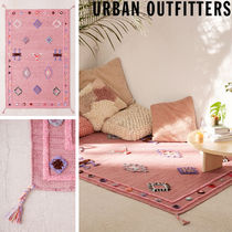 Urban Outfitters(アーバンアウトフィッターズ) ラグ・カーペット 大人気♪ Urban Outfitters   Rosalita ラグ  122×183cm