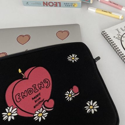 MAZZZZY スマホケース・テックアクセサリー 韓国人気★ MAZZZZY ★ candle laptop pouch 13/15inch(2)