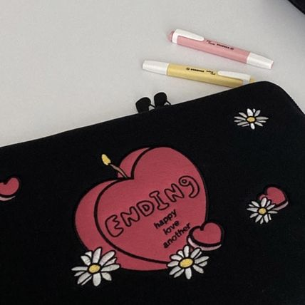 MAZZZZY スマホケース・テックアクセサリー 韓国人気★ MAZZZZY ★ candle laptop pouch 13/15inch(3)