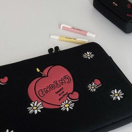 MAZZZZY スマホケース・テックアクセサリー 韓国人気★ MAZZZZY ★ candle laptop pouch 13/15inch(5)
