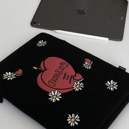 MAZZZZY スマホケース・テックアクセサリー 韓国人気★ MAZZZZY ★ candle pad pouch (12.9inch)(3)