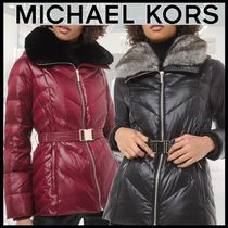 【MICHAEL KORS】Faux Fur-Trim Chevron-Quilted Belted Jacket