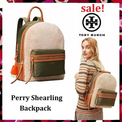 Tory Burch バックパック・リュック 最終セール 新作 Tory Burch Perry Shearling Backpack もこもこ