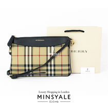 【BURBERRY OUTLET 新品】ファブリック ショルダーバッグ
