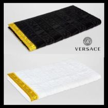 UK発!【VERSACE HOME COLLECTION】ロゴ フェイス タオル