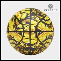 VERSACE(ヴェルサーチェ) スポーツその他 UK発!【VERSACE HOME COLLECTION】バロッコ柄 バスケット ボール