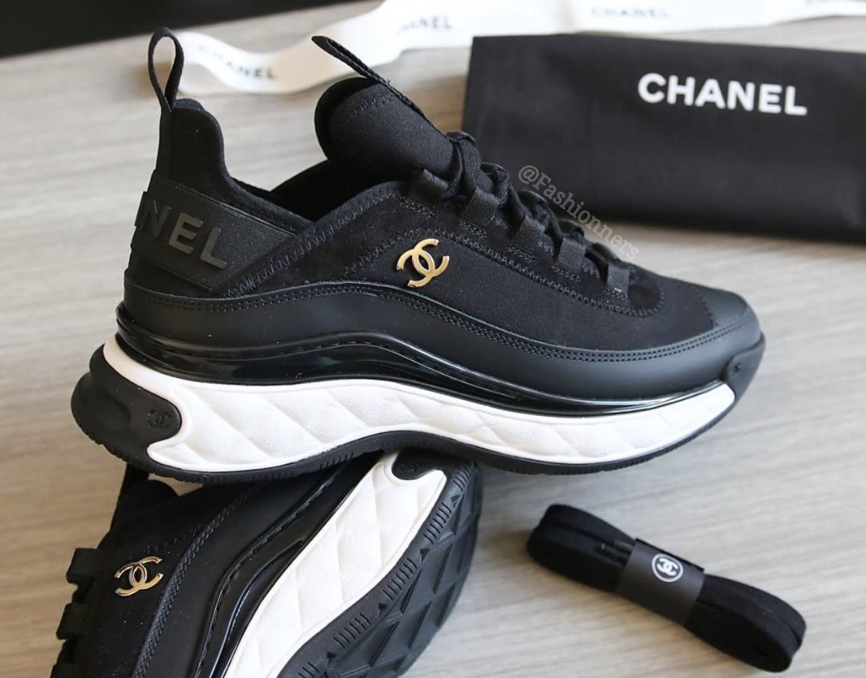 CHANEL 2020 Cruise Low-Top Sneakers