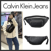 海外別注★Calvin Klein★Pebble Essential Slingbag★安全発送