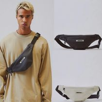 関税送料込 Fear Of God Essentials  Waterproof Sling Bag