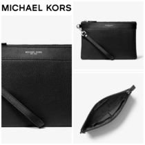 【Michael Kors】☆人気商品☆ Pebbled Leather Travel Pouch
