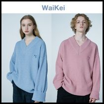 ☆ WAIKEI ☆  Dolphin Embroidery LambsWool V neck Knit 2色