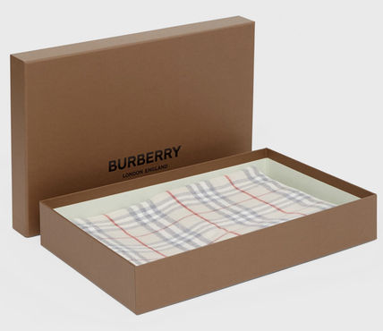Burberry キッズ・ベビー・マタニティその他 Burberry Vintage Check Wool Flannel Baby Blanket(4)