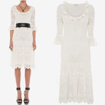 AM671 ENGINEERED LACE KNITTED DRESS