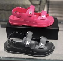 2020 CRUISE CHANEL★★CC SANDAL in pink