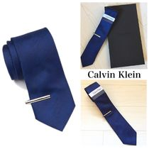 ☆Calvin Klein☆ ソリッドシルクタイ&ネクタイピンセット