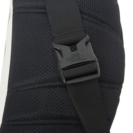 THE NORTH FACE バッグ・カバンその他 【THE NORTH FACE】 ★CANCUN MESSENGER BAG M★ 大人気商品(18)