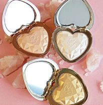 【Too Faced】Love Light Prismatic ハート形ハイライター♪3色