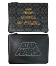 JUSTなサイズ COACH☆STAR WARS x COACH LARGE POUCH WITH MOTIF